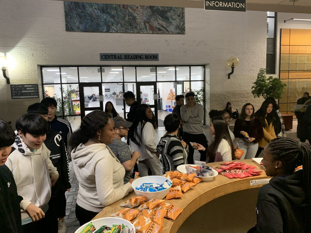 students enjoying snacks